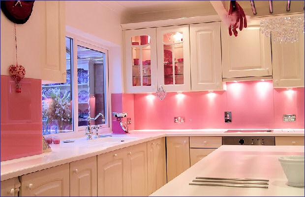 ديكورات مطابخ باللون الوردى 2014 13704906982.jpg