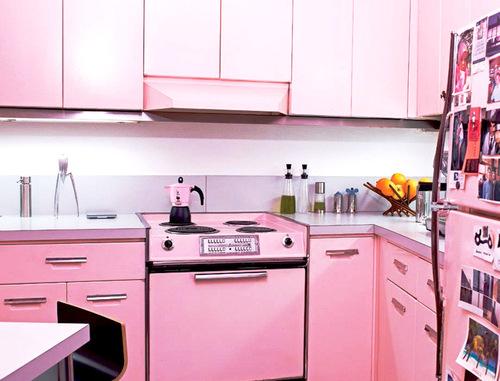 ديكورات مطابخ باللون الوردى 2014 13704906985.jpg