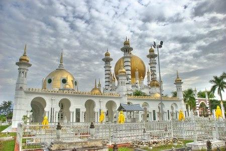 مساجد ضخمة