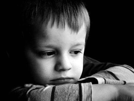 اجمل صور اطفال حزينة (3)