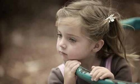 صورة اطفال حزينة (3)
