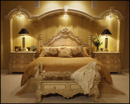غرف نوم مدهبة