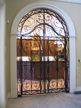 باب حديد راقي وفخم كبير
