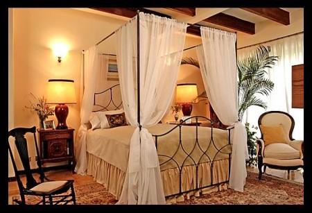 صور ستائر لغرف النوم بني