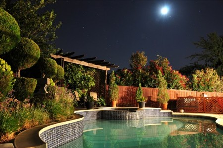 حمامات سباحة بالصور بتصميمات فخمة للفلل (6)
