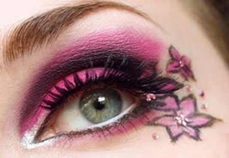 مكياج عيون صغيرة (1)