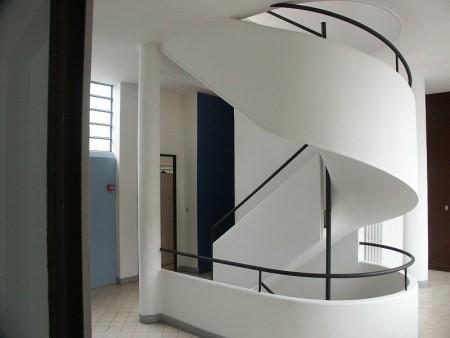 حوائط بألوان جديدة 3 450x338 صور الوان دهانات حوائط المنزل و غرف النوم المودرن و الكلاسيكية
