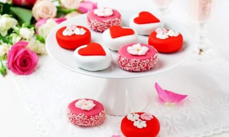 طريقة تقديم الحلويات  (1)