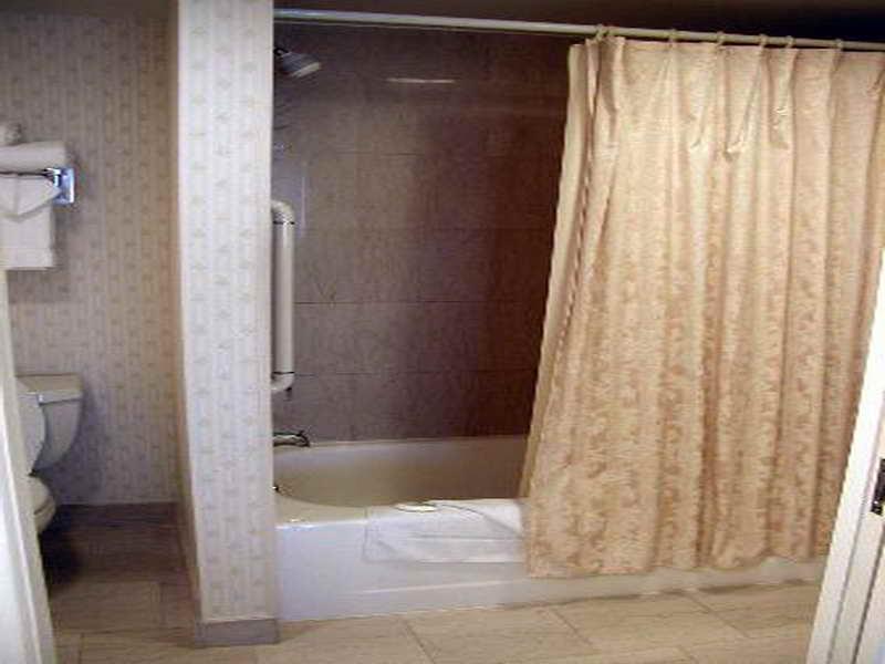 ستائر حمامات بسيطة  (2)