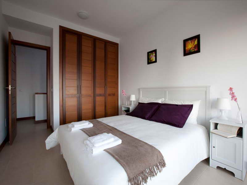 غرف نوم باللون الابيض  (3)