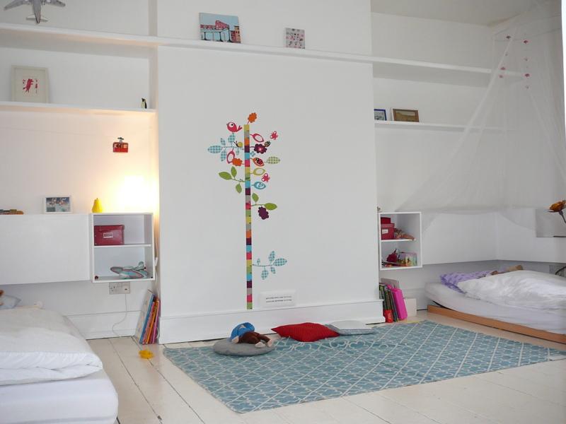 Peinture Gris Et Rose Pour Chambre : Decoration Chambre Enfant