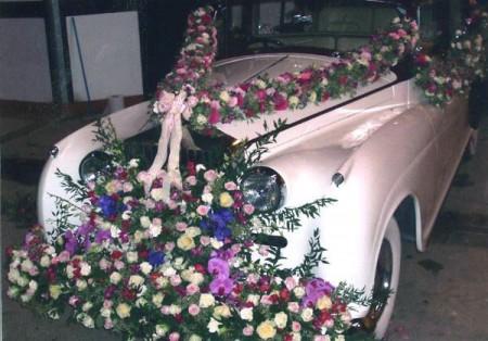 تزيين سيارات الزفاف اشكال تزيين سيارات العريس في الفرح (4)
