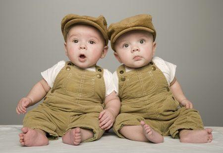 اطفال توائم جميلة جدا (3)