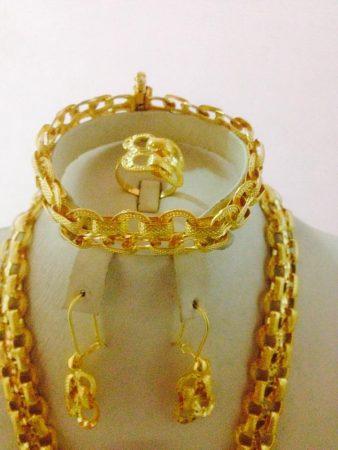 اطقم ذهب كاملة بأحدث موضة في عالم المجوهرات (1)