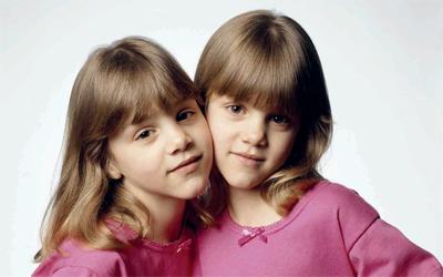 صور اطفال توائم (3)