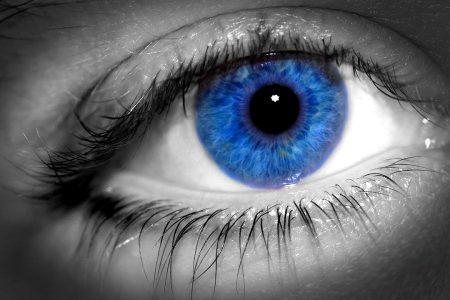 خلفيات عيون زرقاء للموبايل (2)