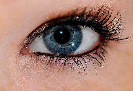 خلفيات عيون زرقاء للموبايل (3)