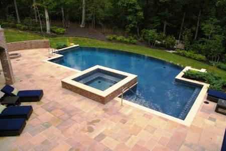 حمام سباحة (1)