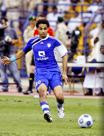 ياسر القحطاني لاعب نادي الهلال بالصور
