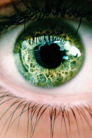 رمزيات وخلفيات عين خضراء (3)