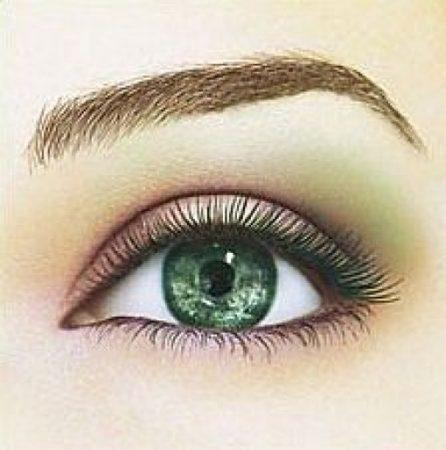 عين باللون الاخضر (2)
