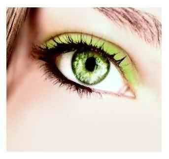 عين باللون الاخضر (4)