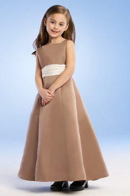 مجموعة ملابس وفساتين اطفال بنات 2014