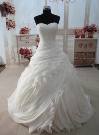 احدث فساتين زفاف محجبات