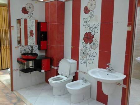 تصميمات حمامات باللون الأبيض والاحمر