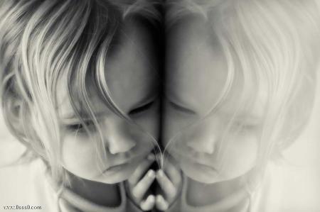 صورة اطفال حزينة (2)