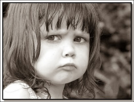 صور أطفال حزينة (4)