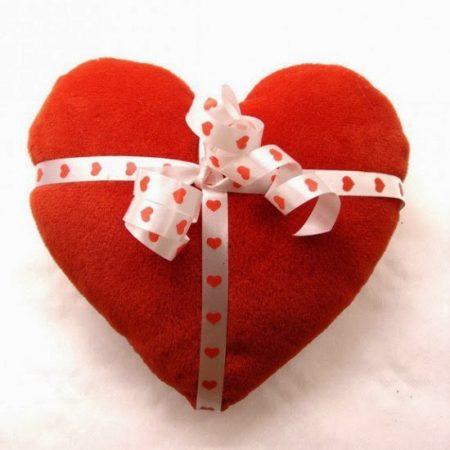 قلوب وفيونكة