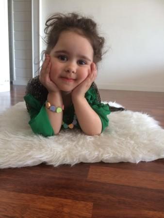 صور طفلة جميلة وشيك