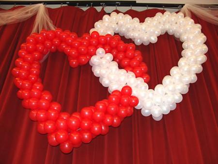 شكل بالونات قلوب