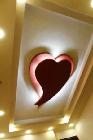 اسقف معلقة شكل قلب