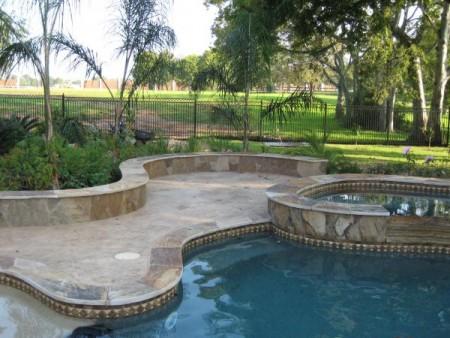 تصميمات حمامات السباحة بالصور (1)