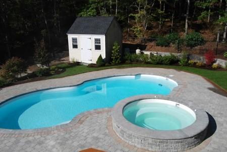 حمام السباحة (1)