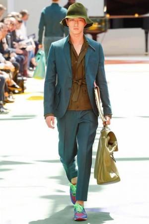 06f09840cfd49 صور ملابس رجالية أحدث موضة ملابس الشباب