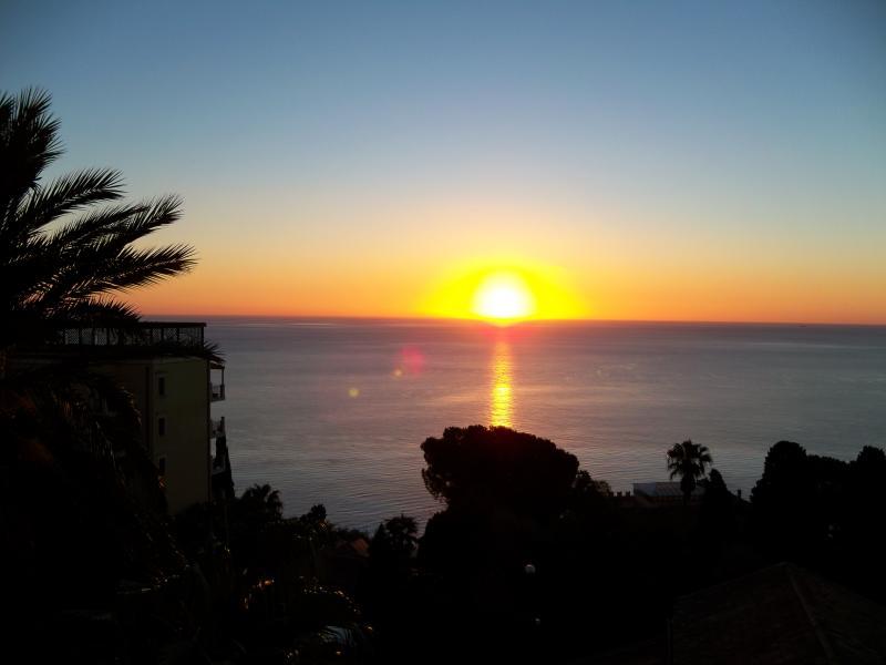 شروق الشمس اليوم  (1)