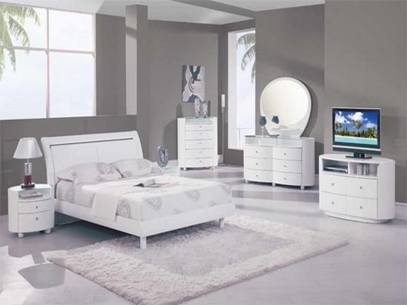 غرف نوم باللون الأبيض (2)