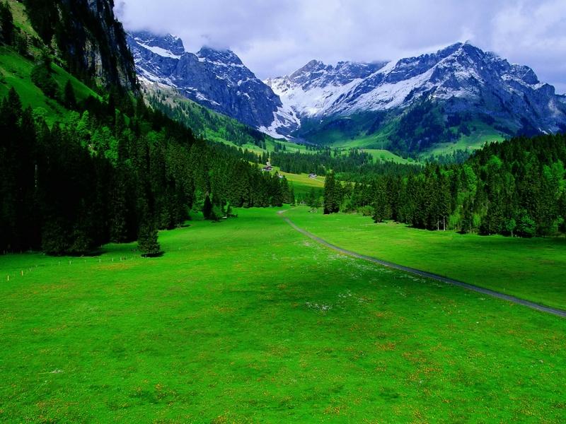 جبال طبيعية جميلة (1)