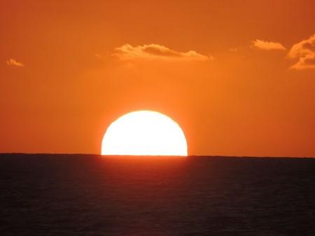 صور الغروب احلي صور لغروب الشمس علي البحر ميكساتك