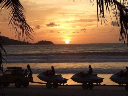 غروب الشمس علي البحر بالصور (4)