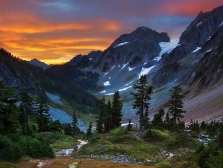 مناظر طبيعية للجبال (1)