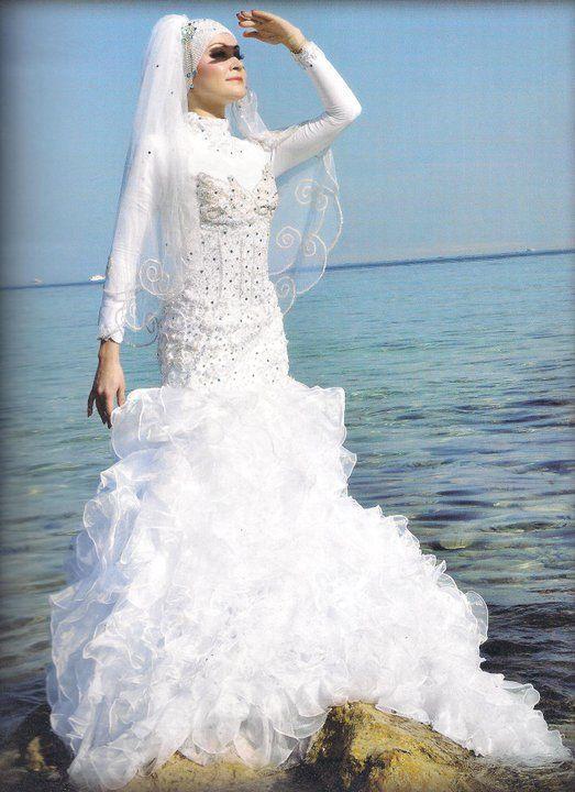14da93b14f00c فساتين فرح محجبات 2016 احدث فساتين زفاف المحجبات
