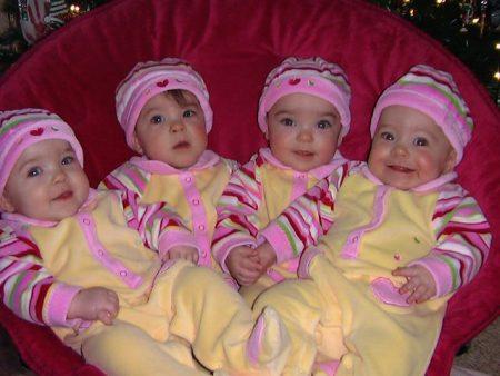 اطفال توائم جميلة جدا (2)