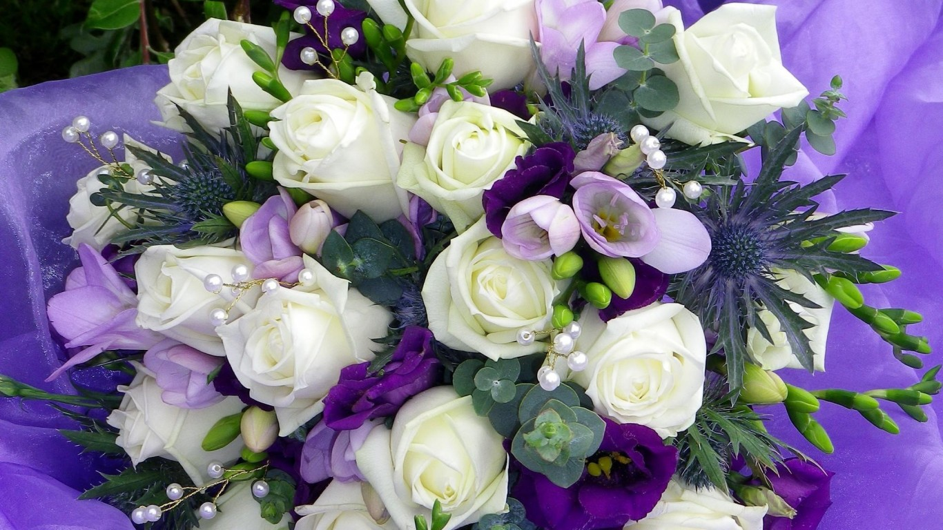 красивая открытка с днем рождения девушке пионовидные розы