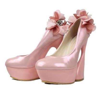 صور احذية كعب عالي للنساء والبنات  (2)