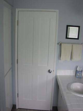 ابواب حمامات خشب والمنيوم جديدة مودرن  (2)