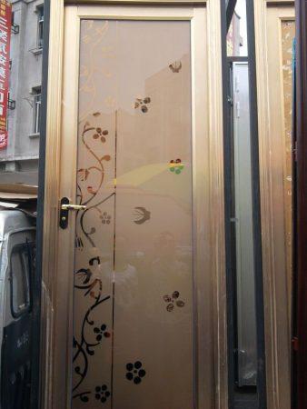 ابواب حمامات خشب والمنيوم جديدة مودرن  (4)